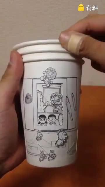 """用三只纸杯自制的哆啦A梦""""动画"""" 看完只想说太会玩"""