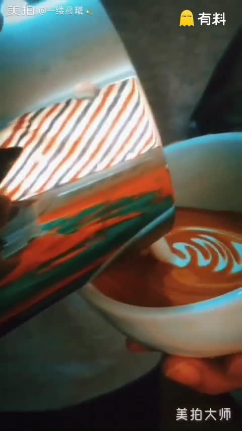 今日#咖啡拉花#分享:8oz杯型,3段图形分...