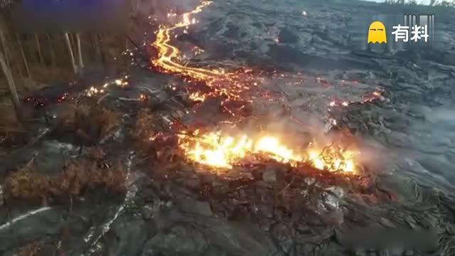 震撼!夏威夷火山熔岩首次流入太平洋成新陆地