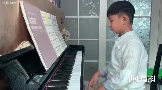 三年级蒋雨辰—车尔尼流畅练习曲。指导老师:杜茗仪