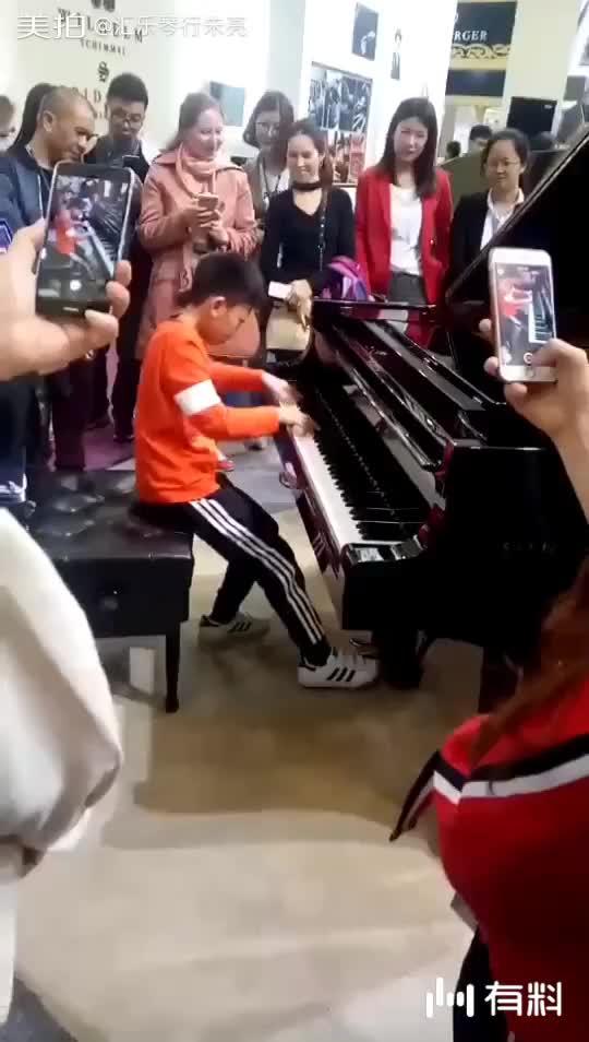 美拍视频: 小琴童
