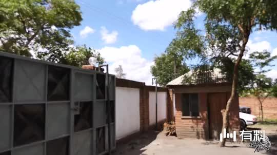 非洲马拉维小旅馆是怎么建造的,材料来自很