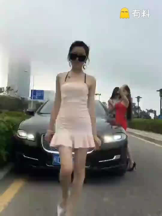 #免费激情电影打开微信,搜公众号 youcai114关注后更精彩 i (104)