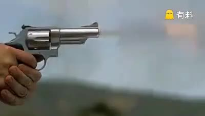 #关注精彩#原来射击的效果是这样的,全程高速慢镜头!