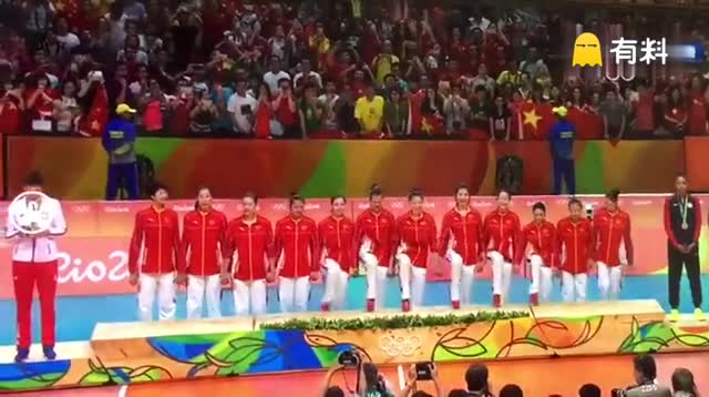 哈哈哈哈哈哈哈哈哈哈哈哈哈哈哈,女排姑娘们集体抖腿等金牌.