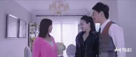 【亭城之恋】美女对小雅说,你冷静一点好不好