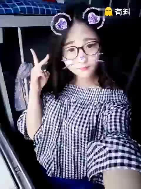 #免费激情电影打开微信,搜公众号 youcai114关注后更精彩s (56)