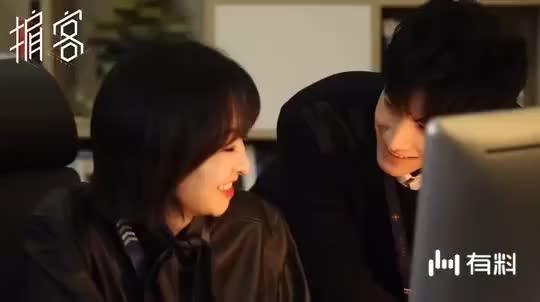 《掮客》最新花絮:罗云熙亲吻宋茜脸颊超甜,期待早点播出